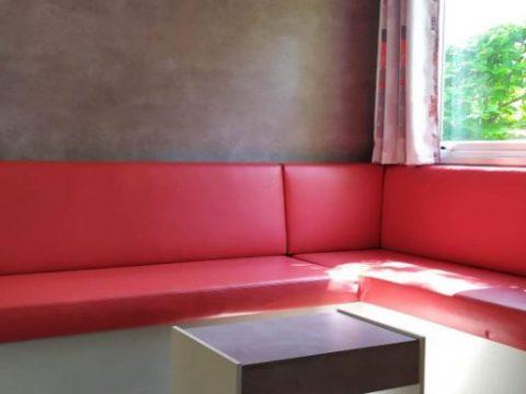 Photo du salon familial du mobil-home Nirvana