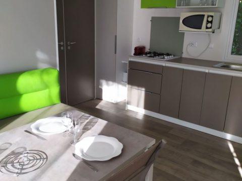 Photo de la cuisine du mobil home Sarlat