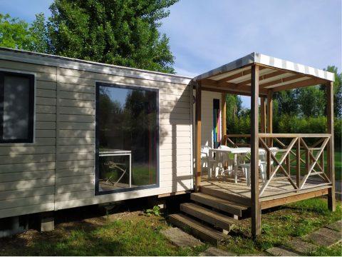 Photo vue extérieur mobilhome Malaga dans Camping Dordogne