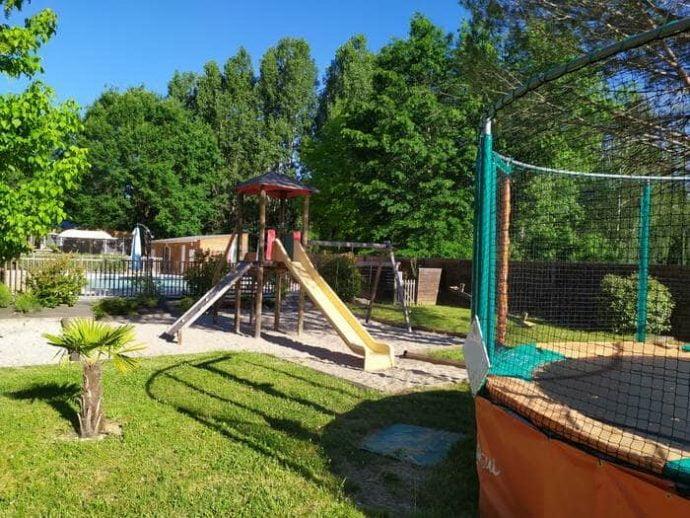 Jeux pour enfants au Camping du Lac en Dordogne